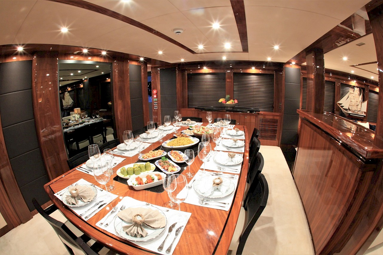 Barracuda Red Sea - Dining table