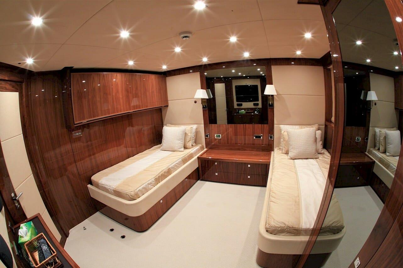 Barracuda Red Sea - Twin bed cabin