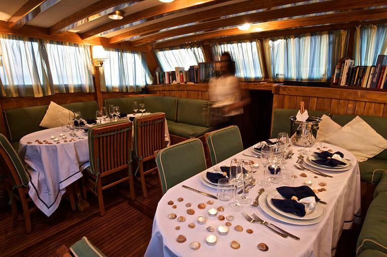 Maria Giovanna - Dining setting