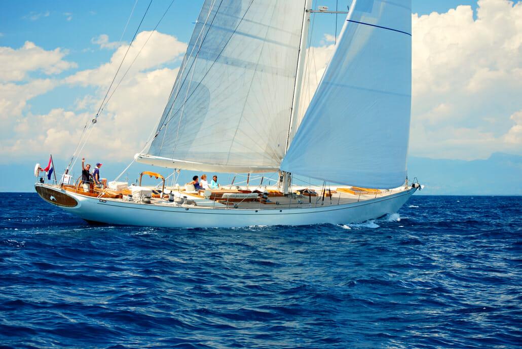 Whitefin - sailing