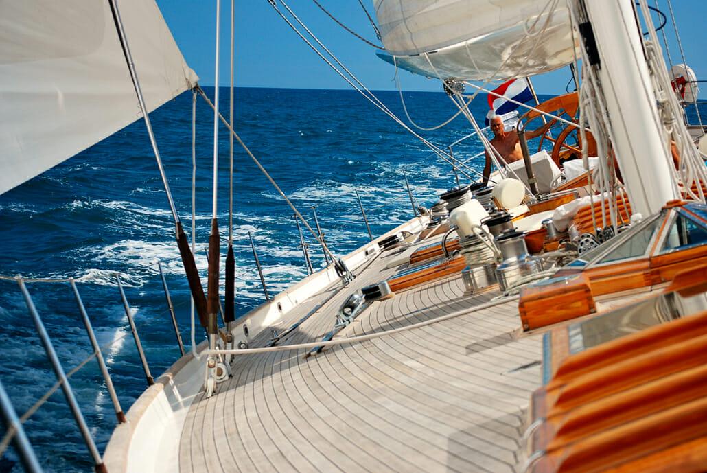 Whitefin - deck