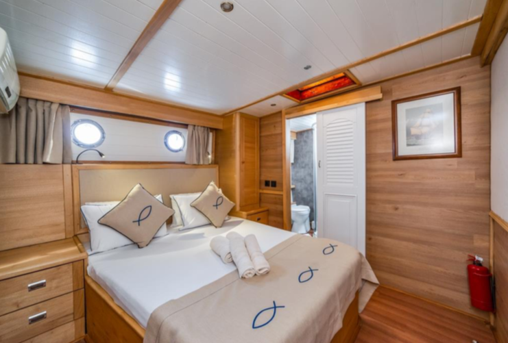Amazon Solo - double bed cabin