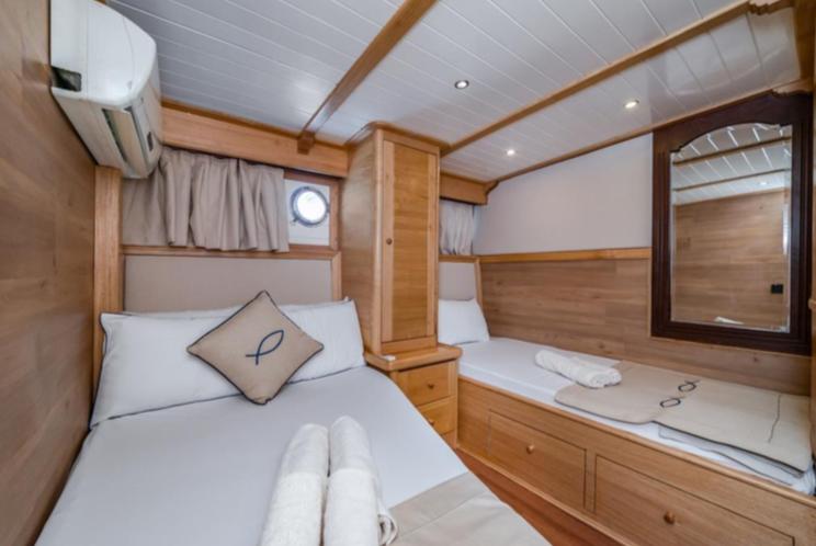 Amazon Solo - twin cabin
